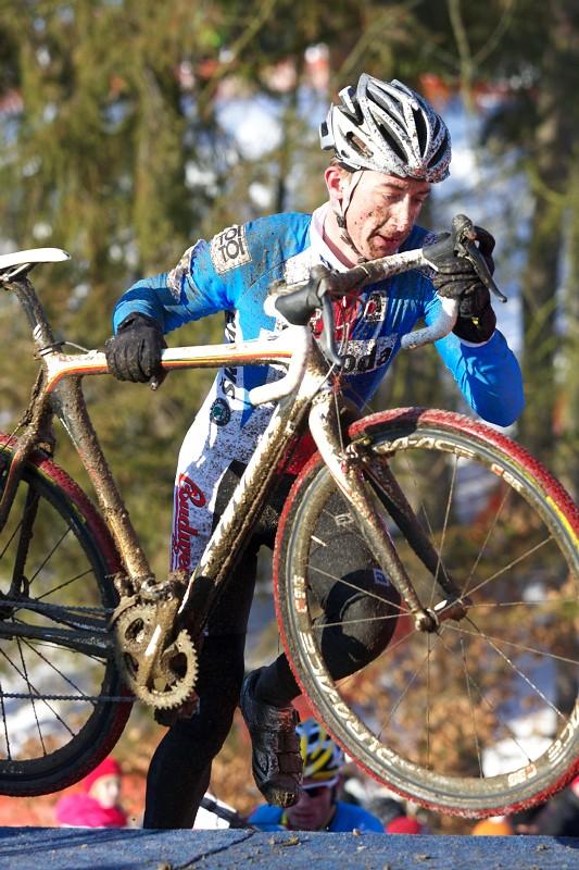 Mistrovství světa v cyklokrosu - Tábor 31.1. 2010, závod Elite - Radommír Šimůnek se ve druhém kole také ocitl na špici závodu