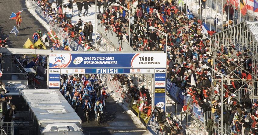 Mistrovství světa v cyklokrosu, Tábor 2010 - Elite: odstartováno