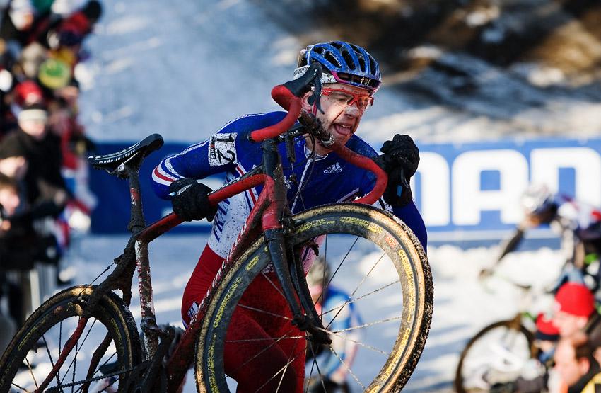 Mistrovstv� sv�ta v cyklokrosu, T�bor 2010 - Elite: Laurent Colombatto (FRA) na dlaskov�ch schodech
