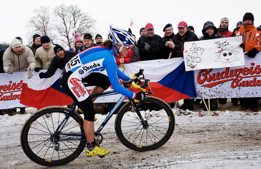 Mistrovství světa v cyklokrosu, Tábor 2010 - ženy: Kateřina Nash mocně povzbuzována diváky