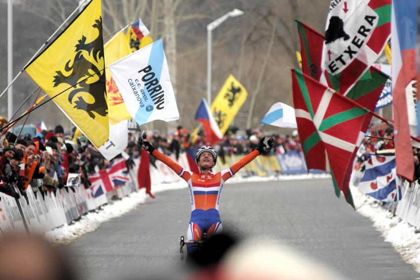 Mistrovství světa v cyklokrosu, Tábor 2010 - ženy: Marianne Vos obhajuje mistrovský titul
