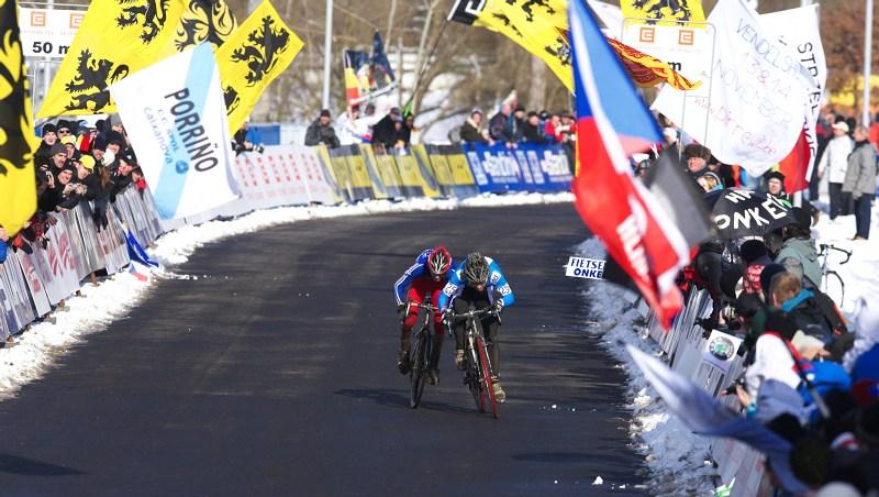 Mistrovstv� sv�ta v cyklokrosu - T�bor 30.1. 2010 - sprint, ve kter�m jsme sotva d�chali, n�dhera!