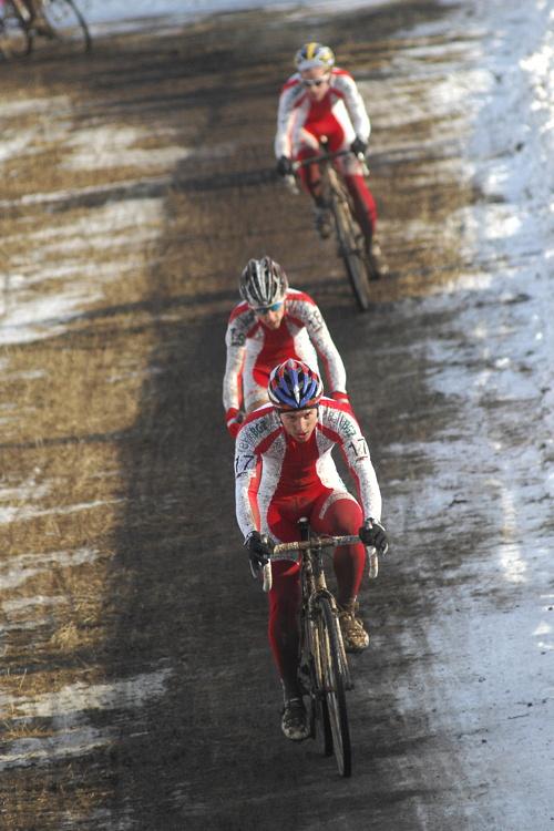 Mistrovství světa v cyklokrosu, Tábor 2010 - junioři & U23: Polské trio na čele