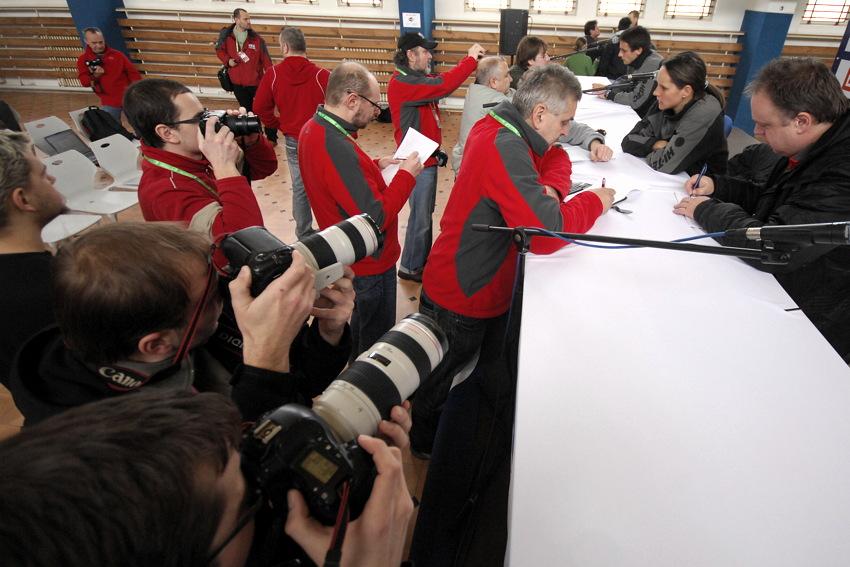 Cyklokrosové MS v Táboře 2010 - čtvrtek: zájem novinářů o Katku Nash
