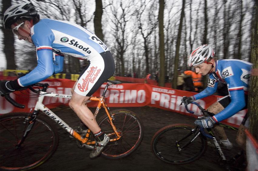 SP cyklokrosařů Hoogerheide 2010 - junioři & U23: Matěj Lasák a Michael Boroš