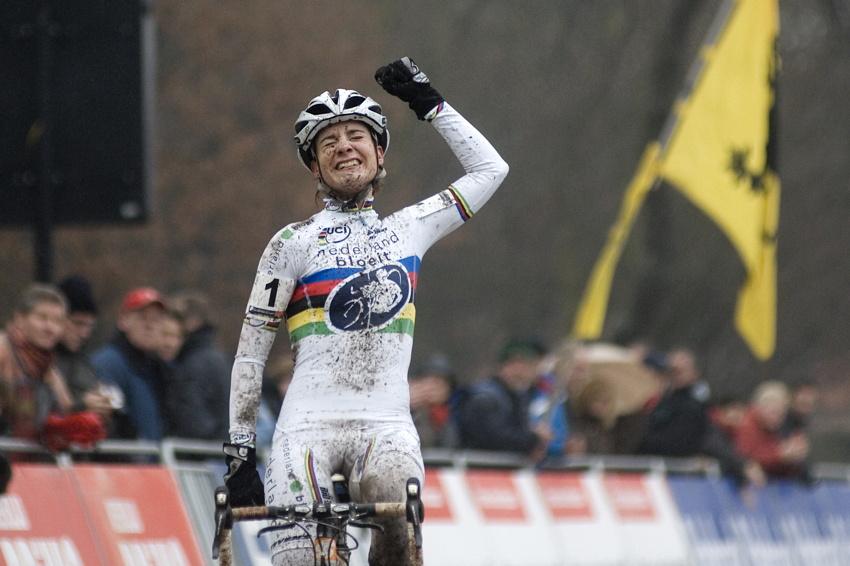 Světový pohár v cyklokrosu #9, Hoogerheide 2010: Marianne Vos vítězí