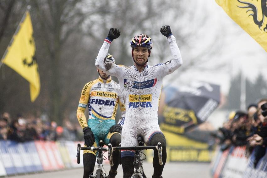 Světový pohár v cyklokrosu #9, Hoogerheide 2010: Zdeněk Štybar dojíždí druhý a slaví celkový triumf ve SP!