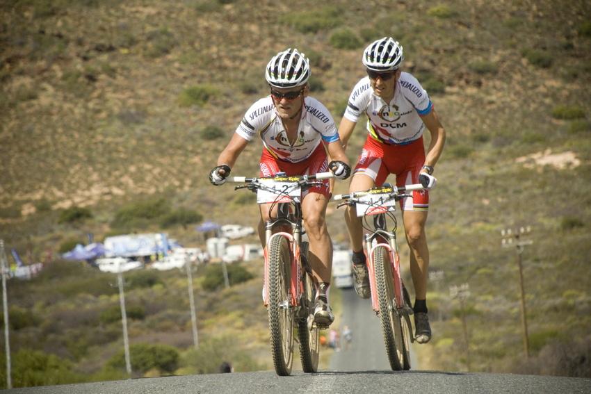 ABSA Cape Epic 2010 - 5. etapa: Burry Stander a Christoph Sauser zajeli časovku nejlépe