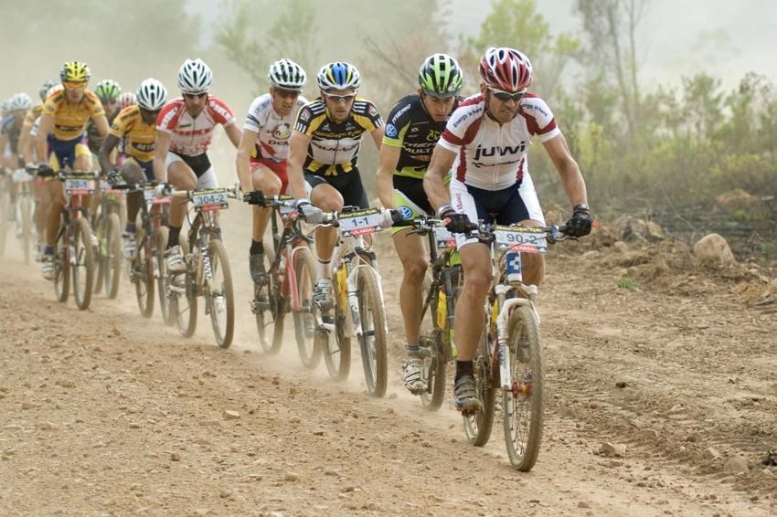 ABSA Cape Epic 2010 - 6. etapa: b�val� silni���k� mistr sv�ta Udo Boelts na �pici