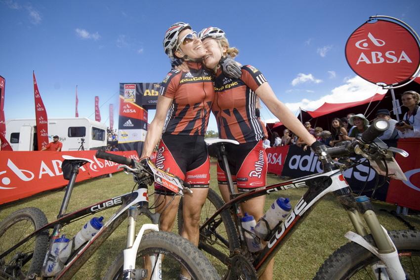 ABSA Cape Epic 2010 - 8. etapa: sestry Noergaardovy vítězí