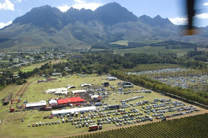 ABSA Cape Epic 2010 - 8. etapa: cíl v Lourensfordu