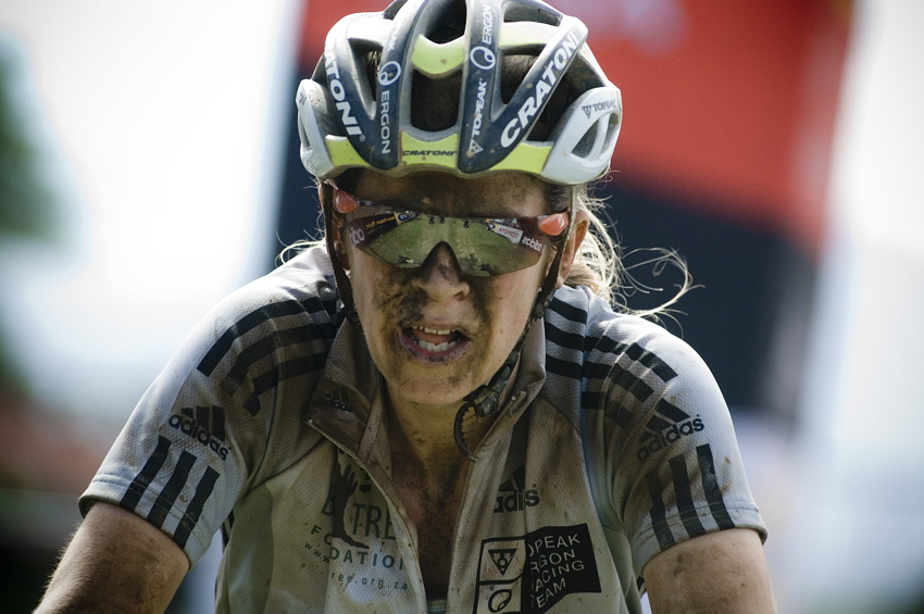 ABSA Cape Epic 2010 - 4.etapa: Sally Bigham
