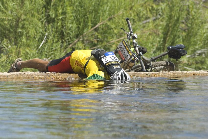 ABSA Cape Epic 2010 - 4.etapa: vedro&žízeň