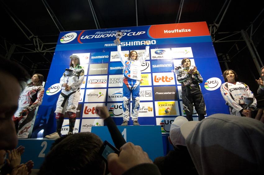 Hezký pohled na ženské stupně vítězů