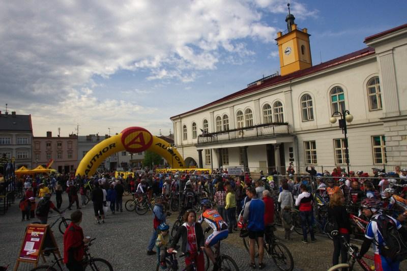 Author Šela Marathon - náměstí TGM v Lipníku nad Bečvou 8.5. 2010, 8:45 hod.