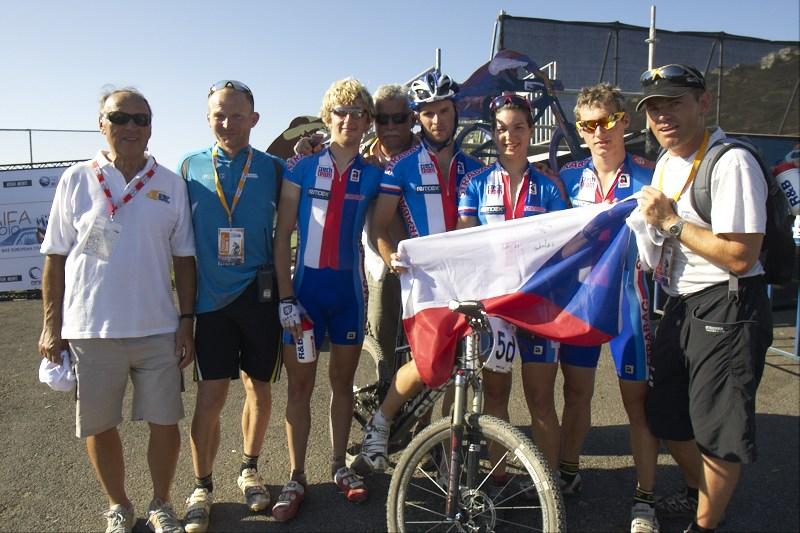 Český bronzový tým a bafící