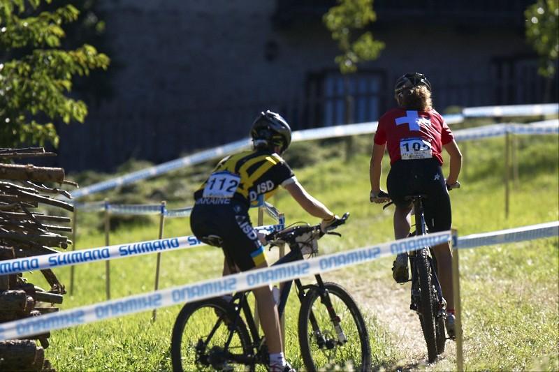 Dvě nejrychlejší juniorky Švýcarka Neff a Ukrajinka Belomoyna