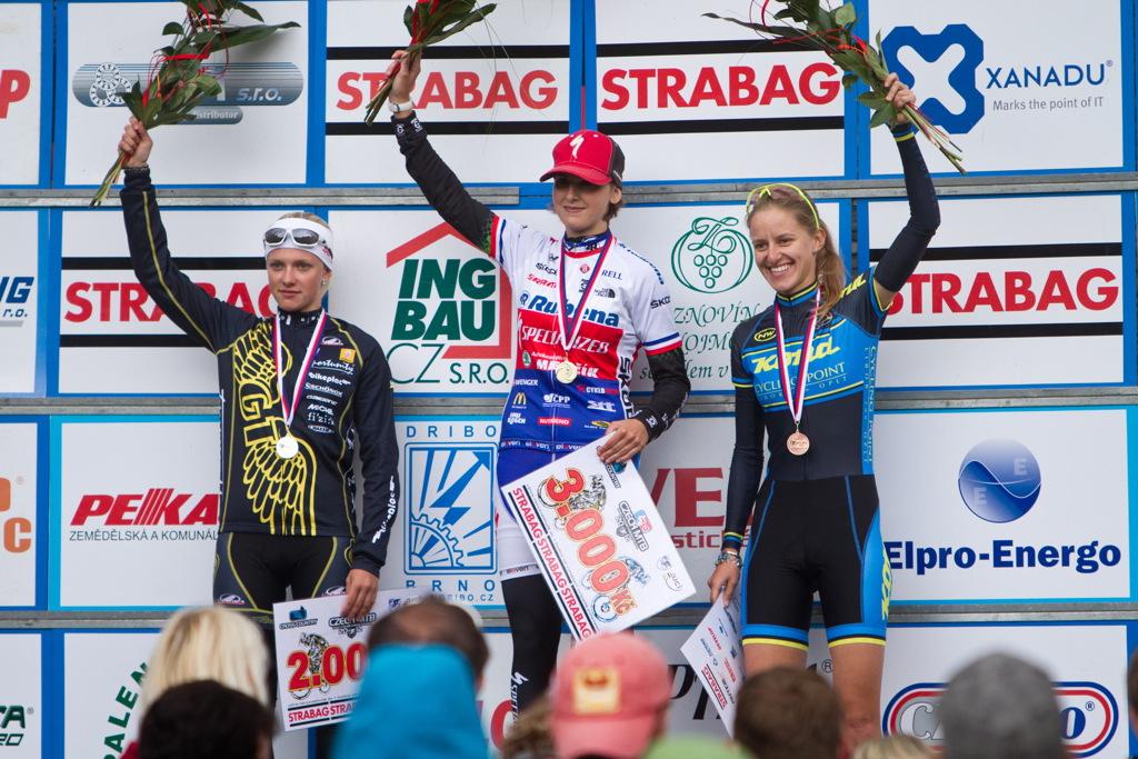 ženy U23: 1.Škarnitzlová, 2.Kuntová, 3.Štěpánová