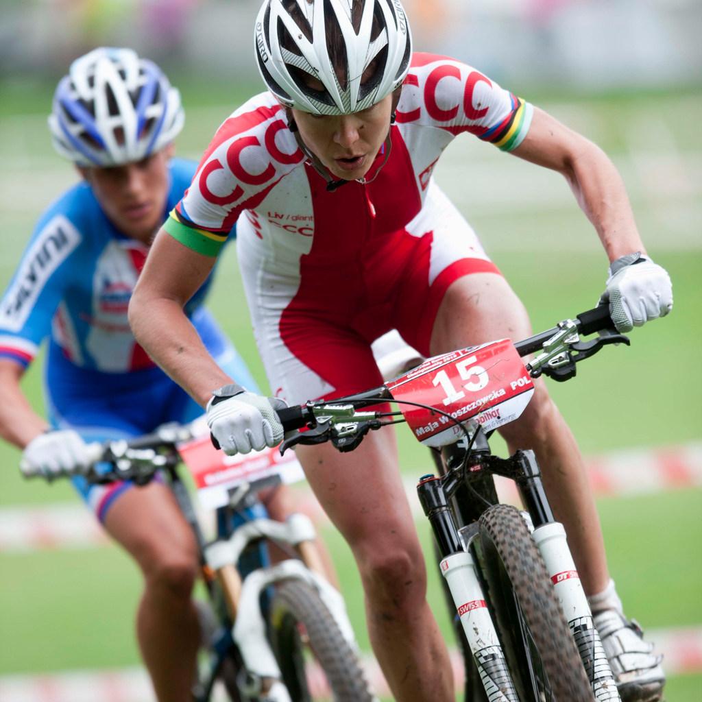 Maja Wloszczowska nastupuje k rozhodujícímu trháku v posledním kole