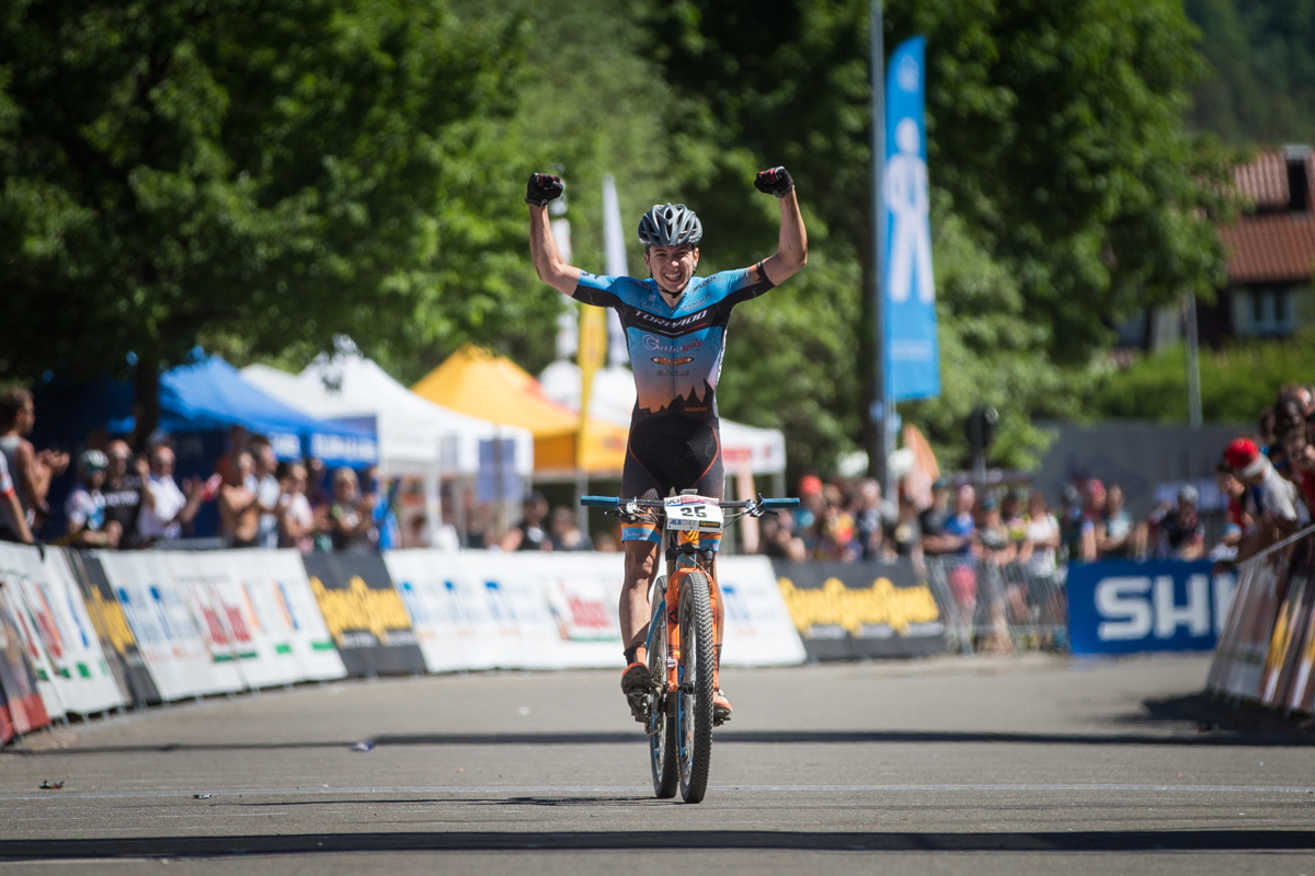 Nadir Colledani vítězí