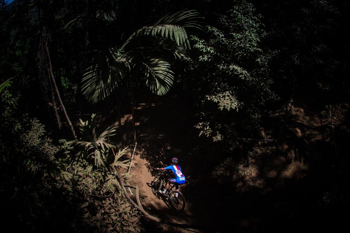 Jitka Škarnitzlová v australské džungli