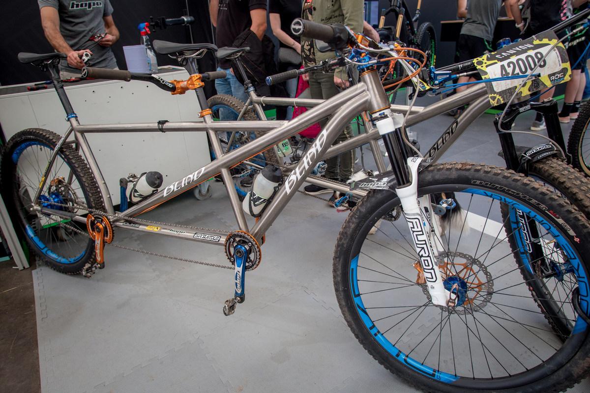 Roc d'Azur 2018 - titanový tandem komplet na Hope komponentech