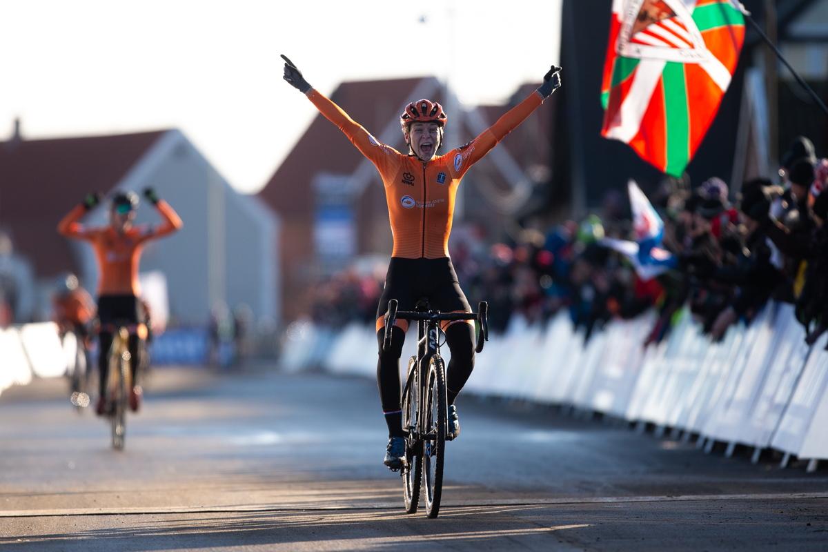 Inge van der Heijden vítězí