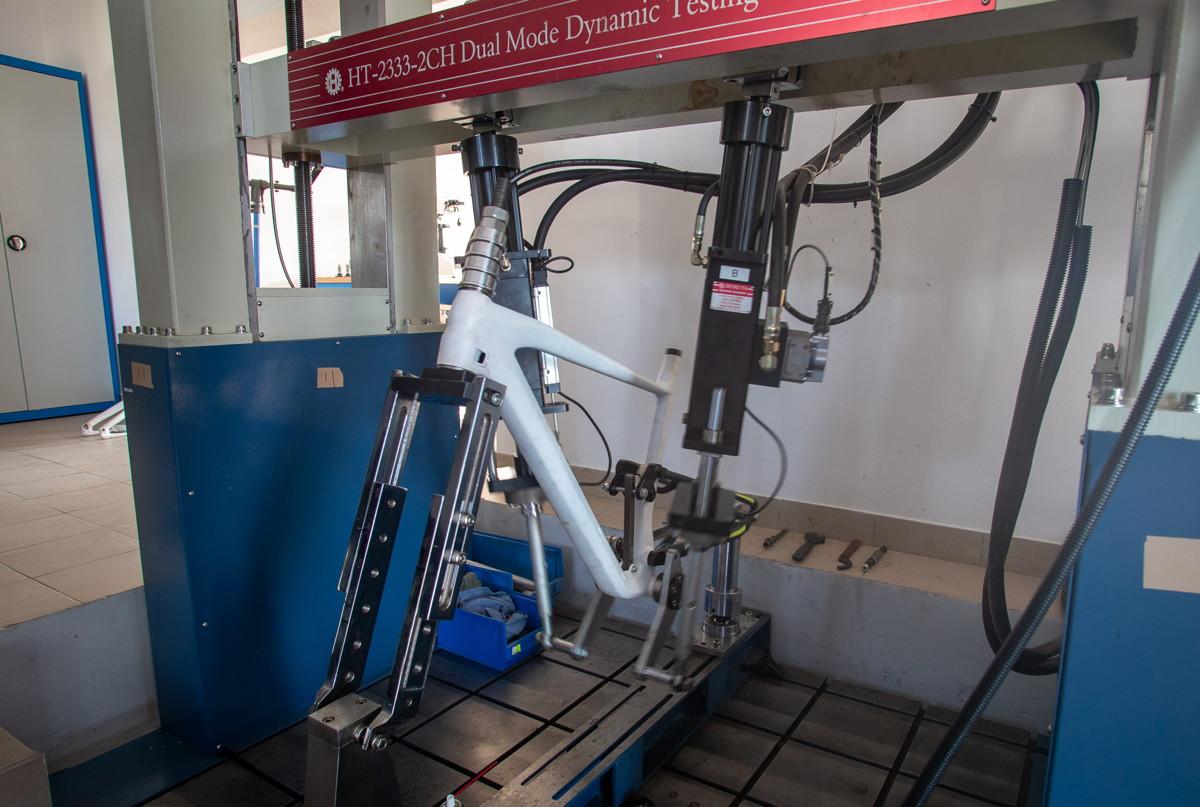 Kross - testovací mašina