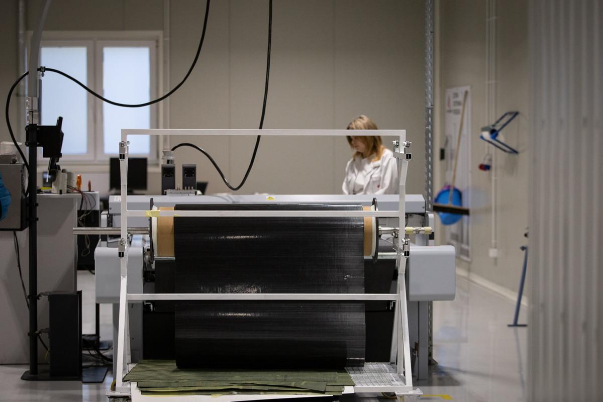 Kross - plotter na němž se laserem řežou jednotlivé díly