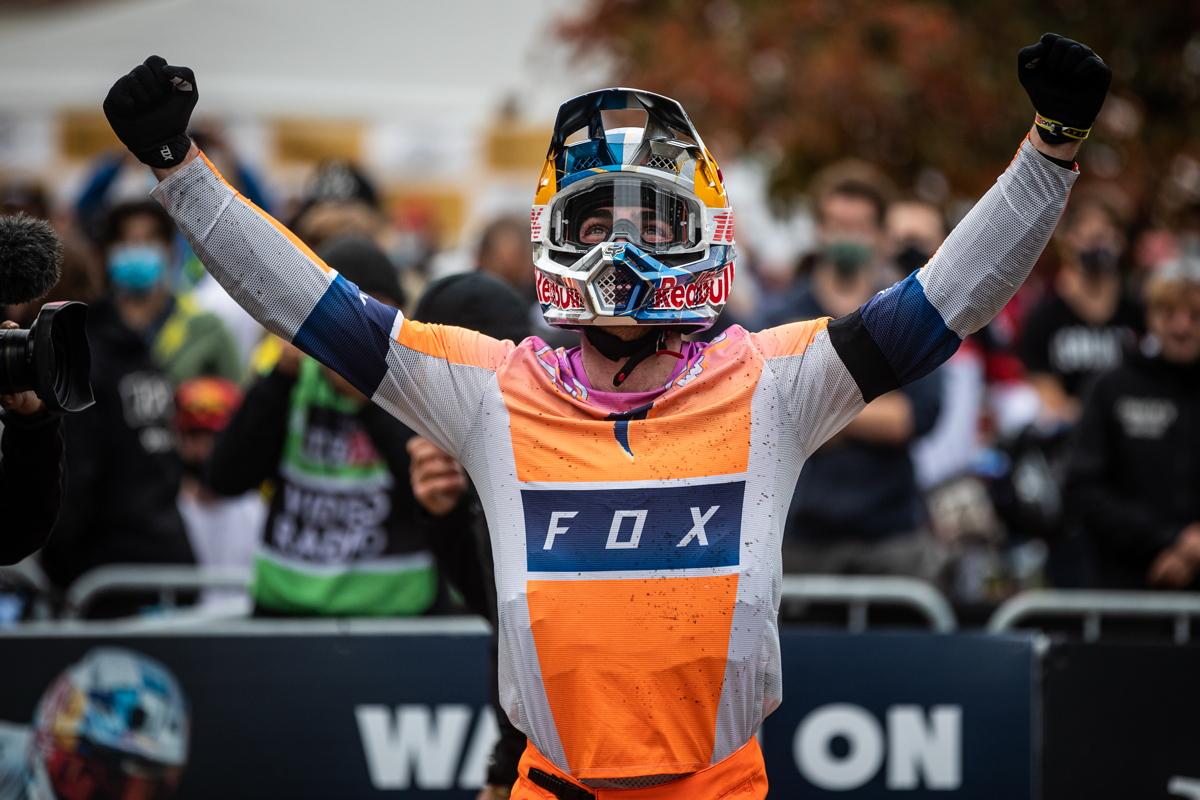 Loic Bruni vyhrává finálový závod v Louse