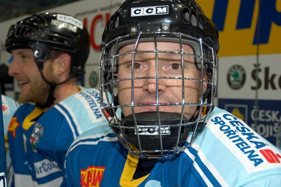 Jiří Kardoš - Vánoční hokejový zápas mezi cyklisty a zaměstnanci pražské Sazka Areny, 2006