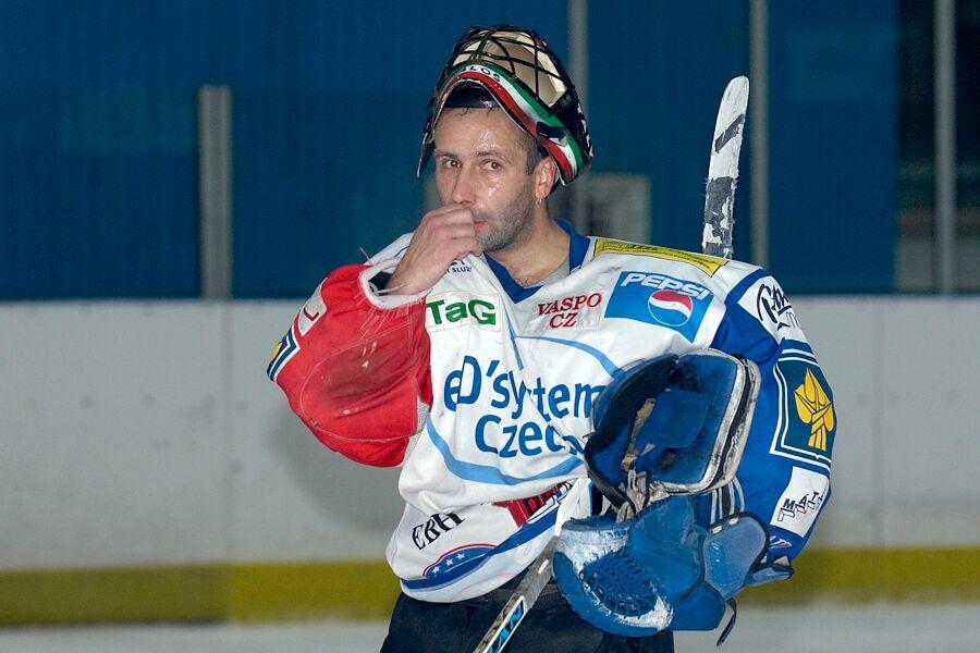 Brankář Dukly Brno toho měl dost - Cyklistický superpohár 2006 v hokeji, Mor. Třebová