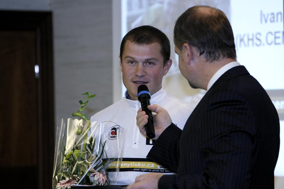 TOP TEN Pelotonu 06 - Ivan Rybařík se rozhovor prý naučil nazpaměť