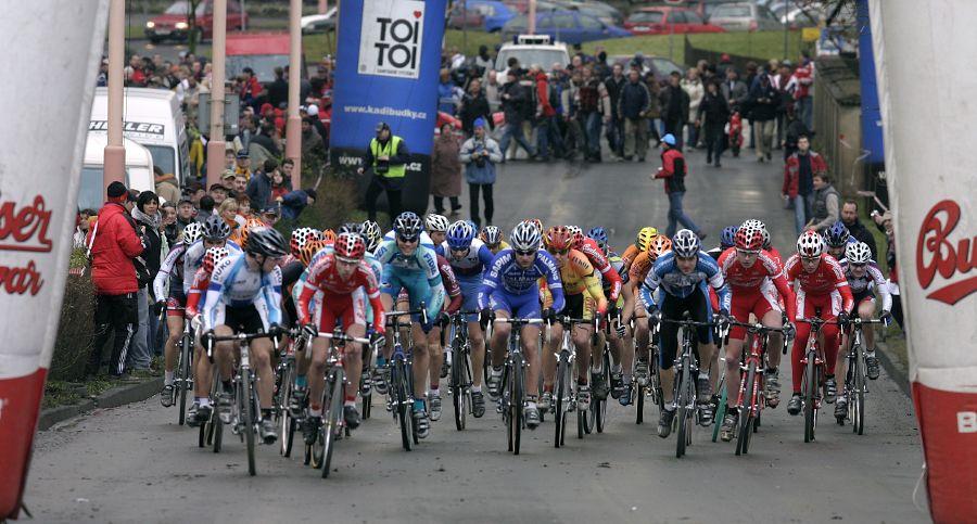 Mistrovství České republiky v cyklokrosu - 6.1. 2007 - Č. Lípa - start závodu