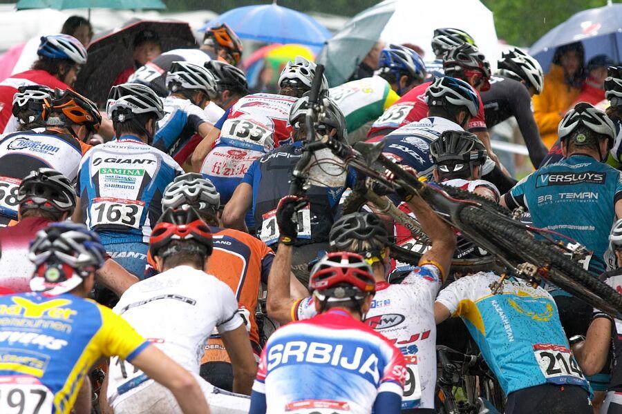 Nissan UCI MTB World Cup XC #2 26.-27.5. 2007 - zácpa