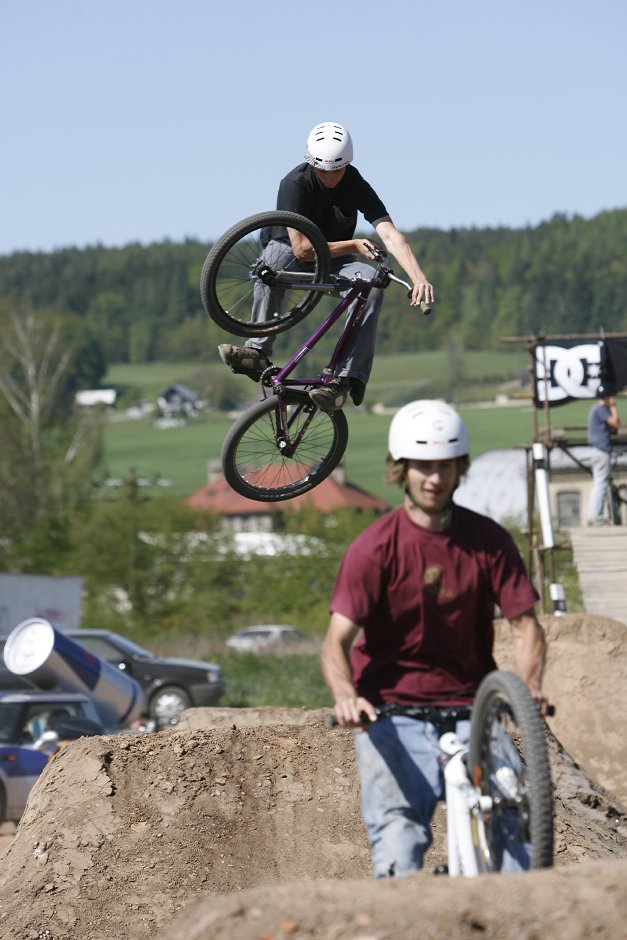 Red Bull Backyard Digger - Dv�r Kr�lov�