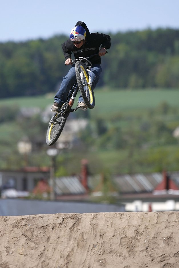 Red Bull Backyard Digger - Dv�r Kr�lov�