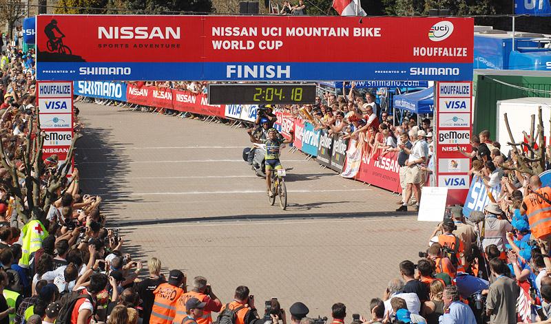 Nissan UCI MTB World Cup XC #1 Houffalize, 22.4.2007 - Hermida v cíli, foto: Tanja/www.MTBSector.com