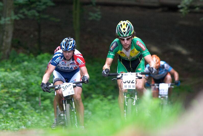 ČP XC 3. závod, Česká Kamenice 2.6.2007 - Aleš Vojta, vlevo Jakub Magnusek