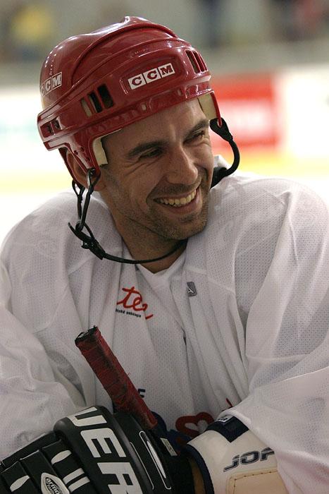 Benefi�n� utk�n� cyklist� a hokejist� pro nadaci Krtek, Brno 7.8.2007, foto: Denis Bu�o