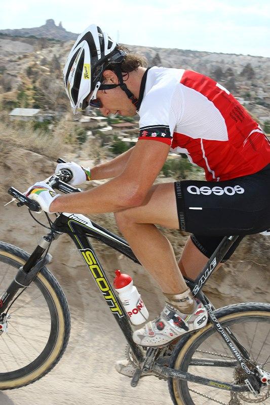 ME Cappadocia 2007 - závod mužů U23 14.7. - Nino Schurter