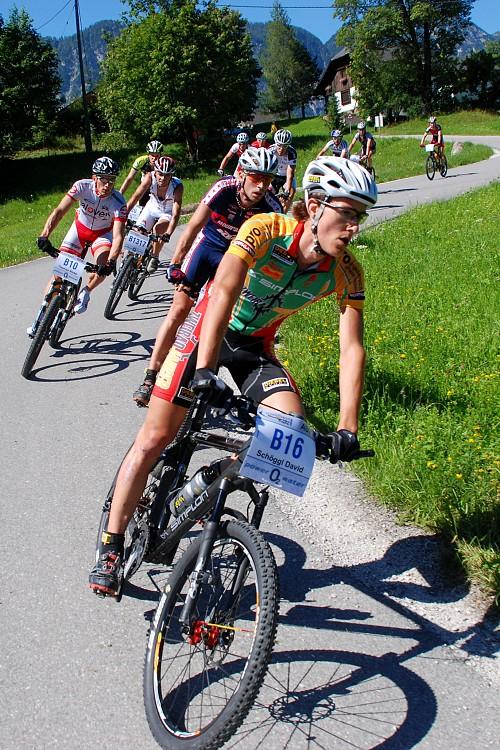 Salzkammergut Trophy 07 - první skupinka na 109 km trase