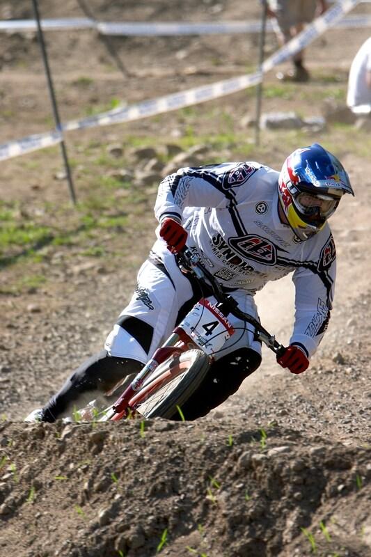 Nissan UCI MTB World Cup DH+4X #3, Mont St. Anne 24.6.'07 - Nathan Rennie