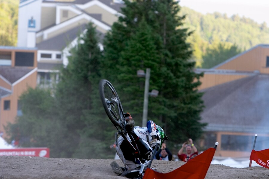 Nissan UCI MTB World Cup DH+4X #3, Mont St. Anne 24.6.'07 - beko nevy�lo