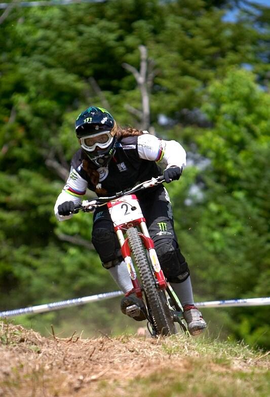 Nissan UCI MTB World Cup DH+4X #3, Mont St. Anne 24.6.'07 - Sabrina Jonier