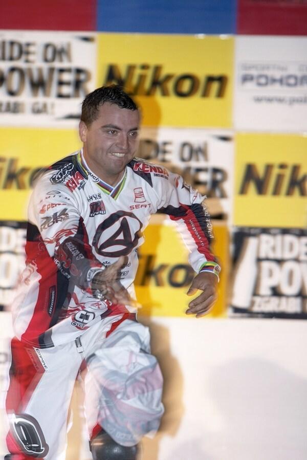 Nissan UCI MTB World Cup 4X #5 - Maribor 15.9. 2007 - Michal Prokop v�noval div�k�m sv�j dres