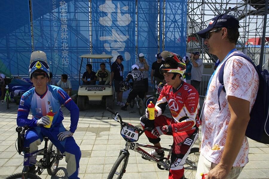 """SP UCI BMX Supercross, 20.-21.8. 2007 Peking/Čína - Jozef Regec v roli bikrosového """"bafíka"""""""