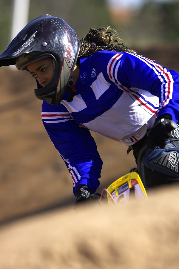 UCI BMX SuperX   13.-14.10. 2007 - Frejus, Francie - černá krasavice Manon Valentino