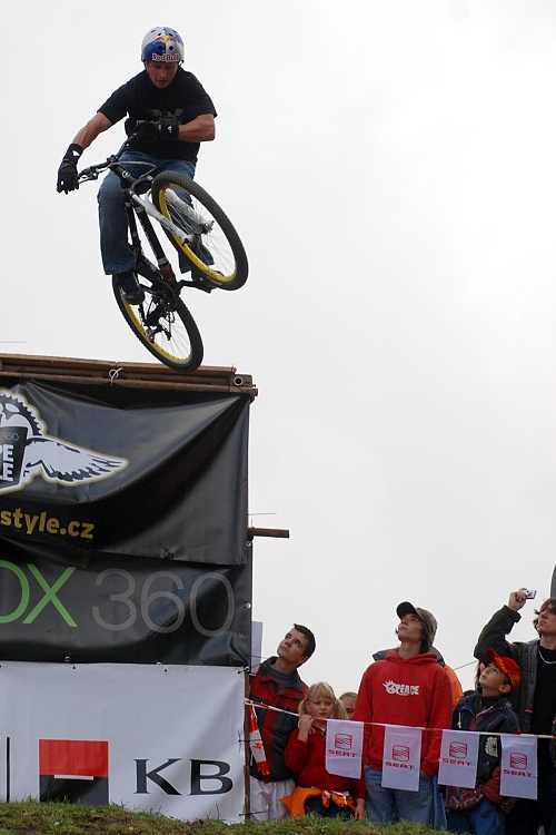 XBox 360 Slopestyle 2007 - P�sek - Majkl Maro�i