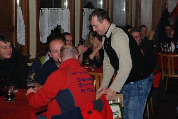 Hokejov� turnaj ve Vimperku 9/12/07 - 1. cena pro �S MTB Oldies